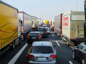 Traffic jam - avoid it by picking the cheapest time to relocate