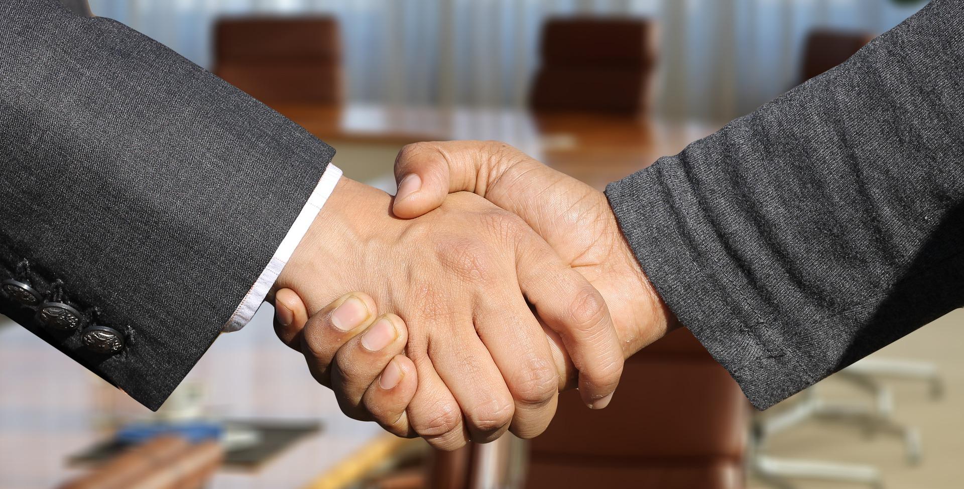 handshake - It pays off to negotiate